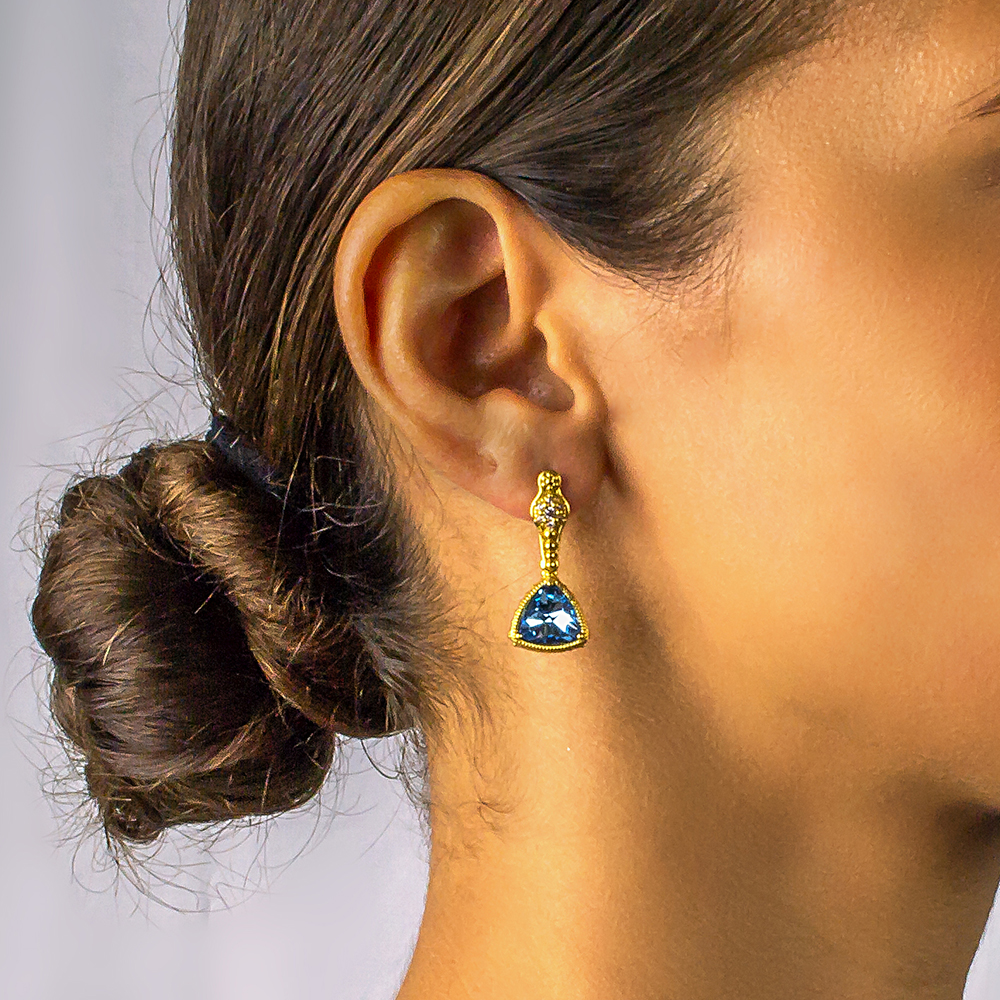 Earrings with Swarovski crystals S104
