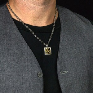 Sterling silver cross pendant with chain M279