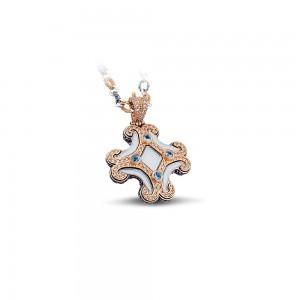Pendant with white enamel, Swiss blue topaz, zircon stones and tricolor chain M63
