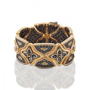 Bracelet with Swarovski crystals B334
