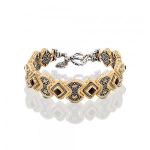 Bracelet with Swarovski crystals B335
