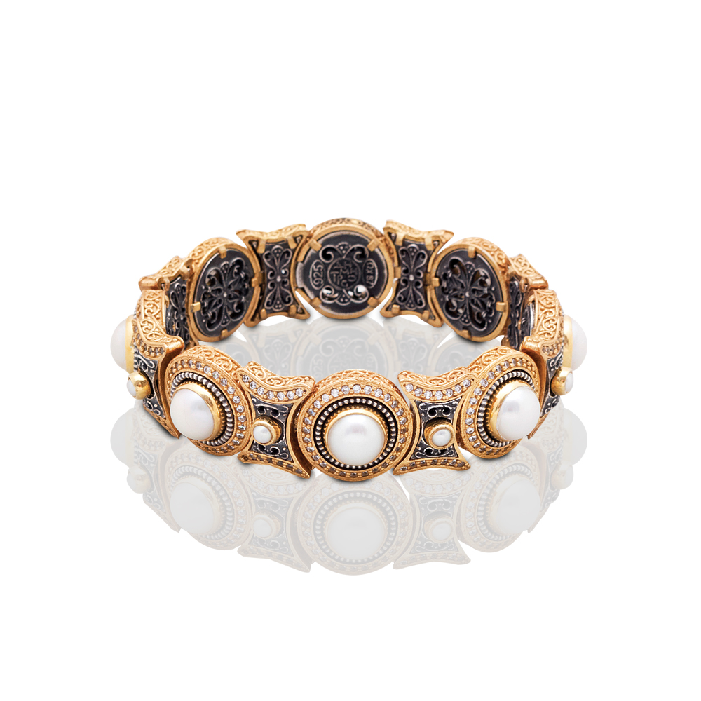 Bracelet with pearls B396