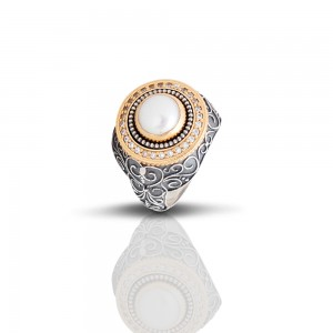 Ring with pearl and zircon D339
